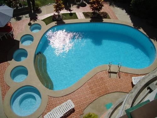 Footprint Pool