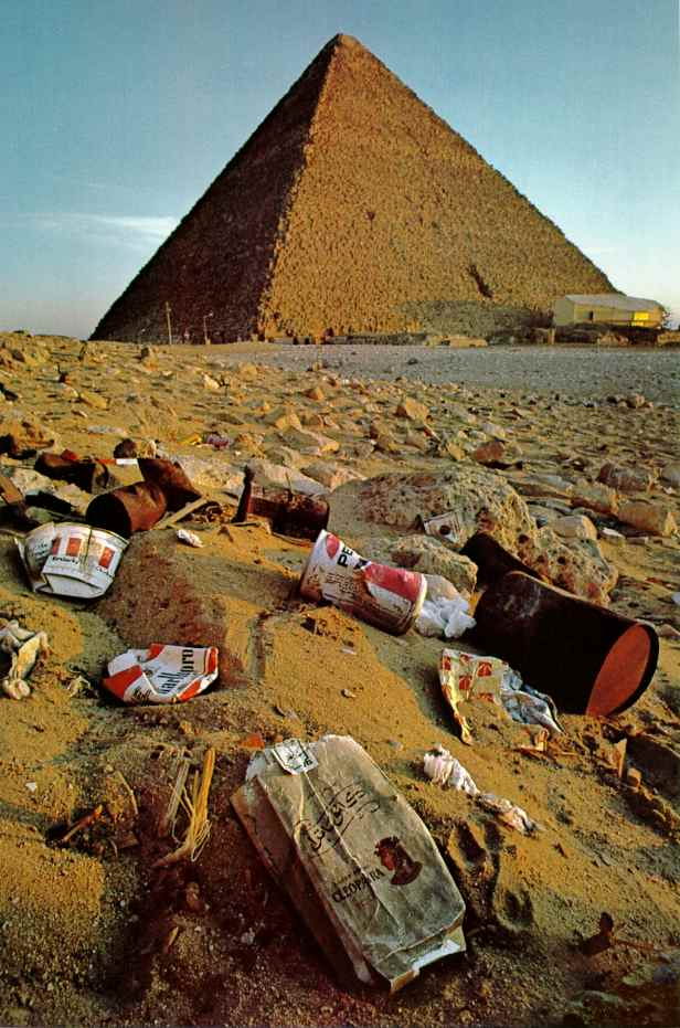 Pyramid, Trash