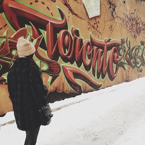 Graffiti - Toronto - Snow, Red