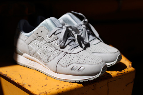 Asics - Light Gray - Yellow