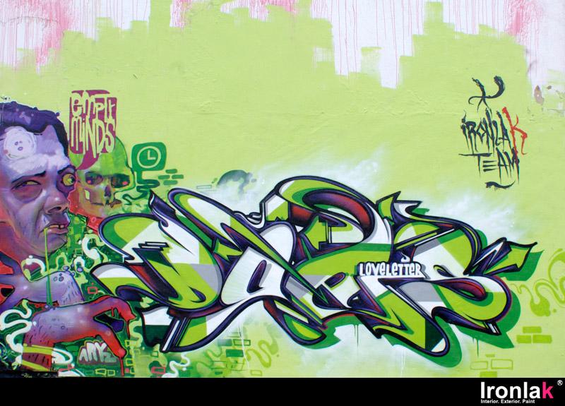 Does - Ironlak - Green 2.jpg