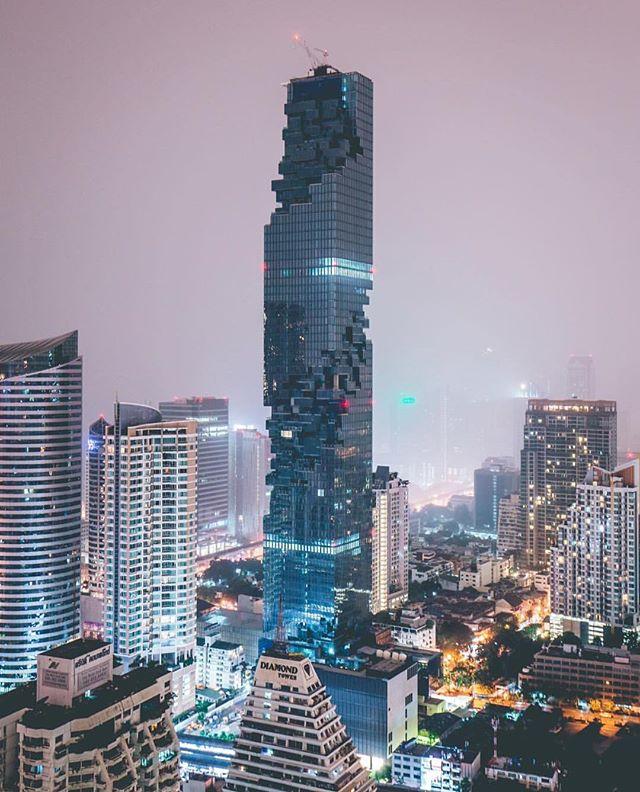 Architecture  - Ole Schreeren - Mahanakhon Tower - OMA.jpg