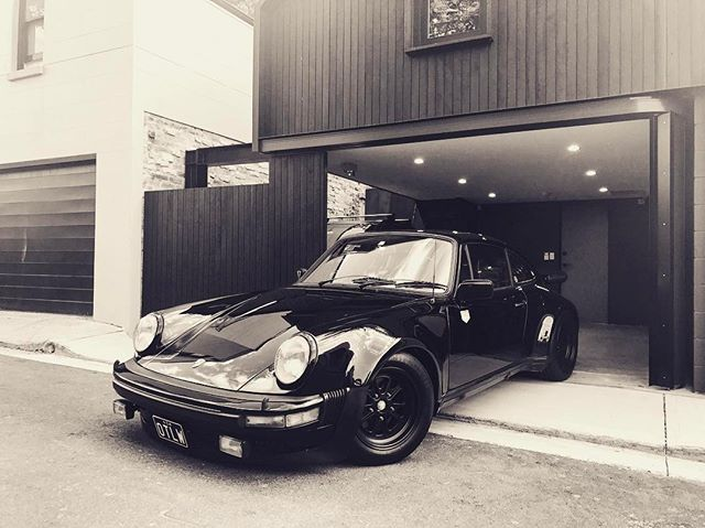 Car - Porsche -  Black.jpg