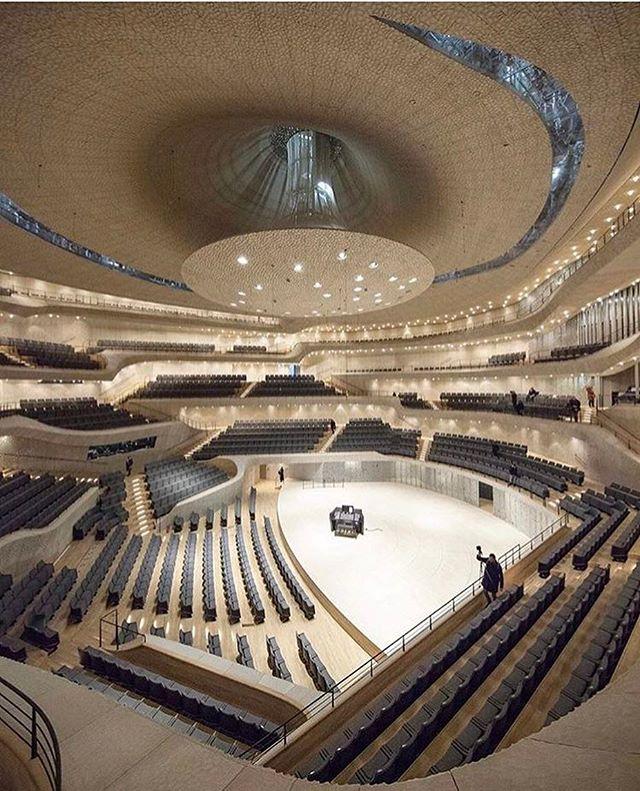Architecture - Elbphilharmonie, Hamburg.jpg