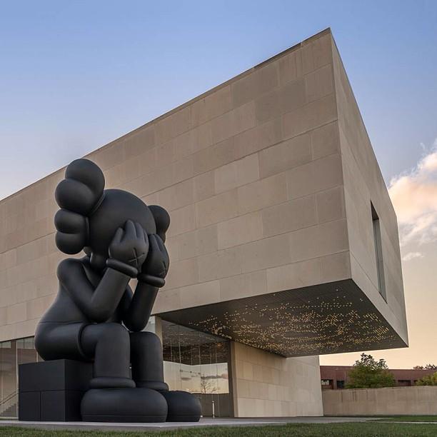 Kaws - Nerman Museum 2013.jpg
