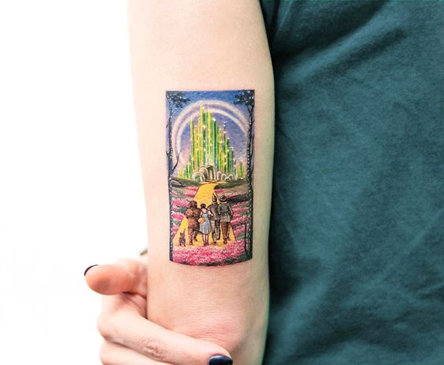 Tattoo - Eva Krbdk, Wizard of Oz, Bang Bang Tattoos.jpg