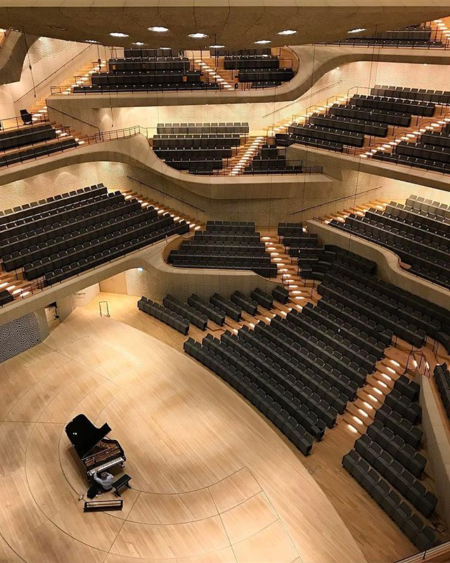 Architecture - Elbphilharmonie Concert Hall, Herzog & de Meuron, Hamburg, Germany.jpg