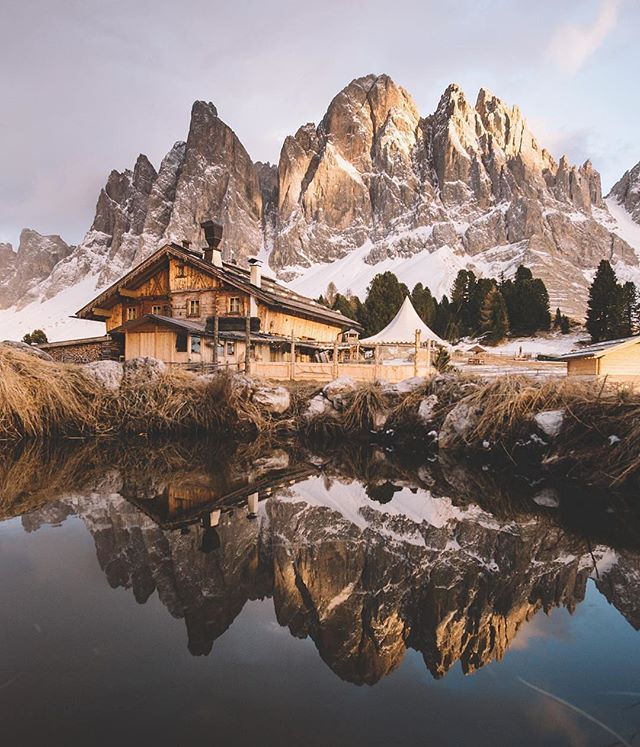 Photography - Simon Vilgertshofer, Brown.jpg