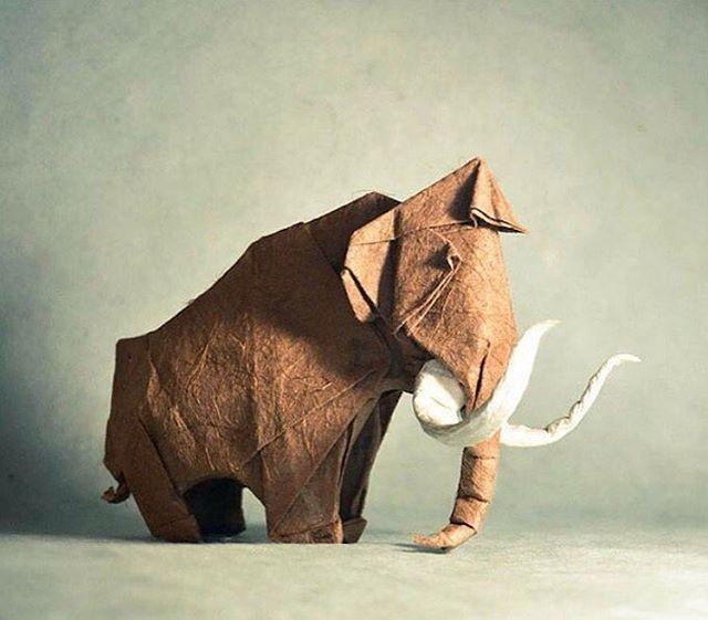 Art - Elephant, Gonzalo Calvo, Spanish.jpg