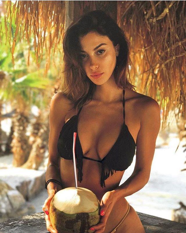Model - Valentina Fradegrada, Brown, Green.jpg