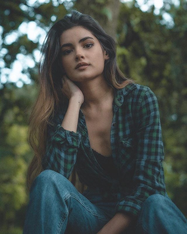Model - Jannet Sanchez, Green, Brown.jpg