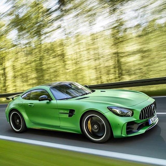 Cars - Mercedes AMG GTR 2017  - Green.jpg