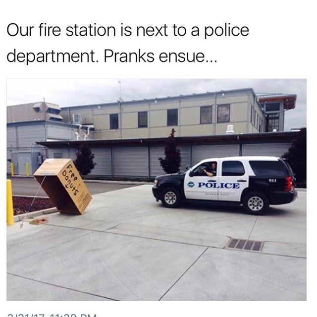 Funny - Firemen vs Cops.jpg