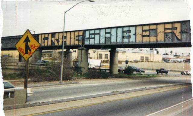 Graffiti - Gkae, Saber, Gray, Yellow.jpg