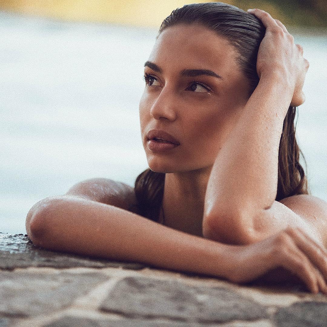 Model - Valeriya Lapidus, Brown, Gray.jpg