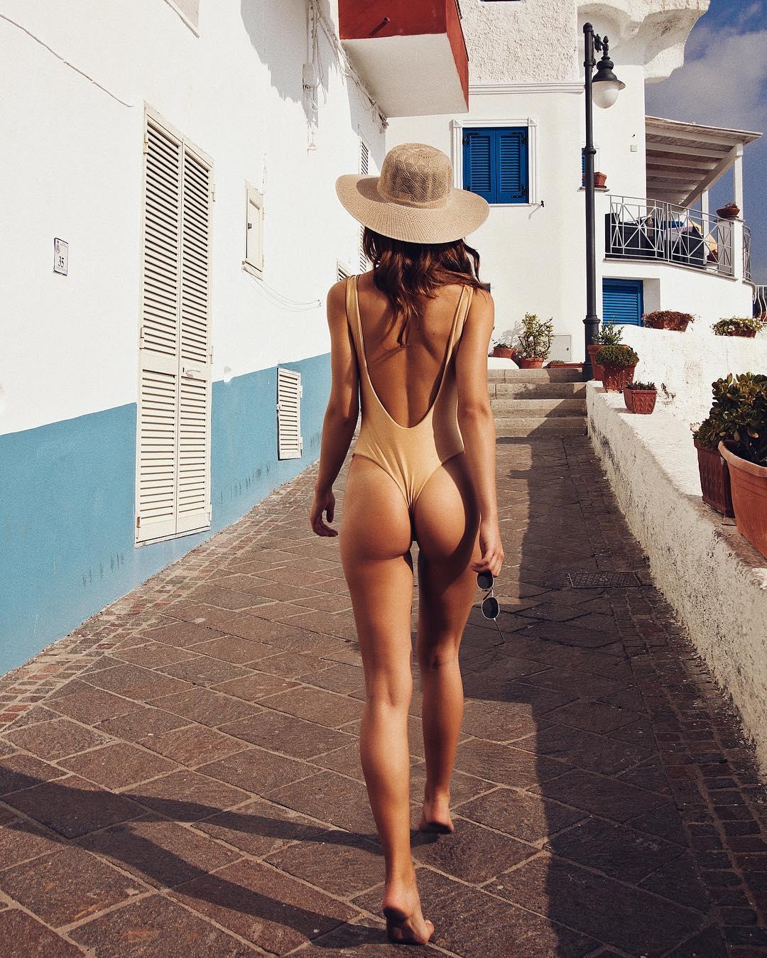 Model - Valeriya Lapidus, Brown, White, Blue, Gray.jpg