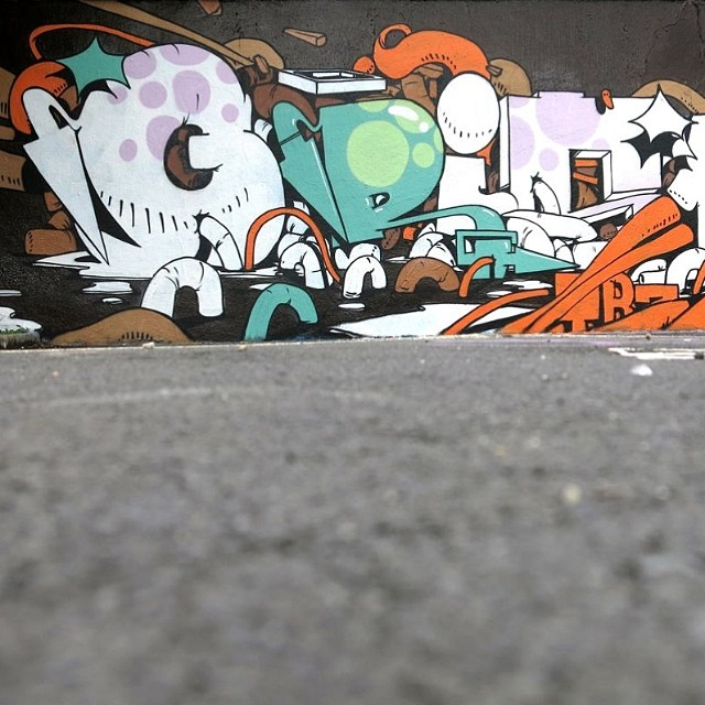 Graffiti - Gris, Orange, Green, White.jpg